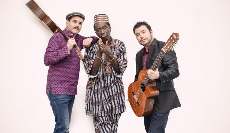 photo KOMASI en concert