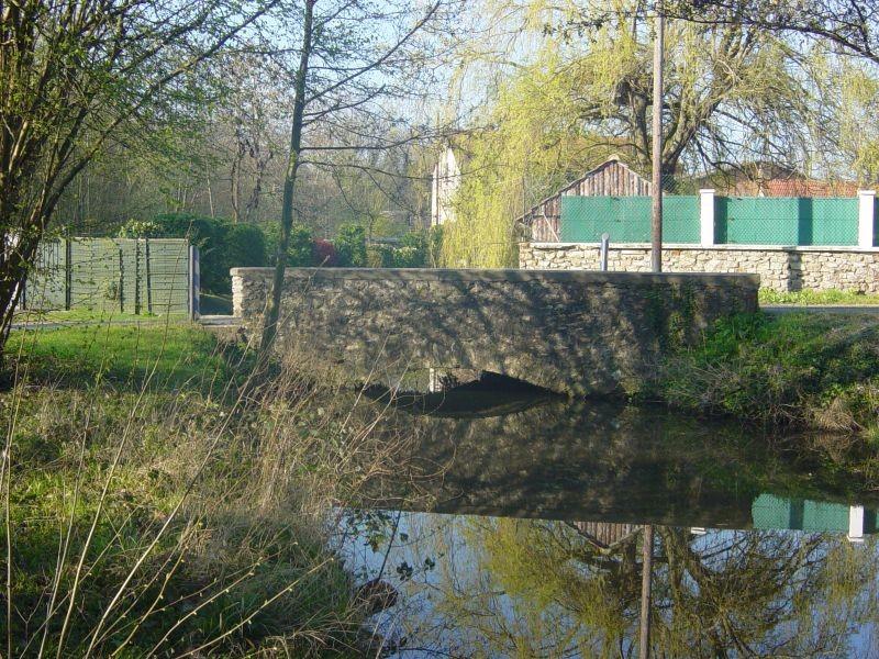 Pont sur le bief de Vinarville